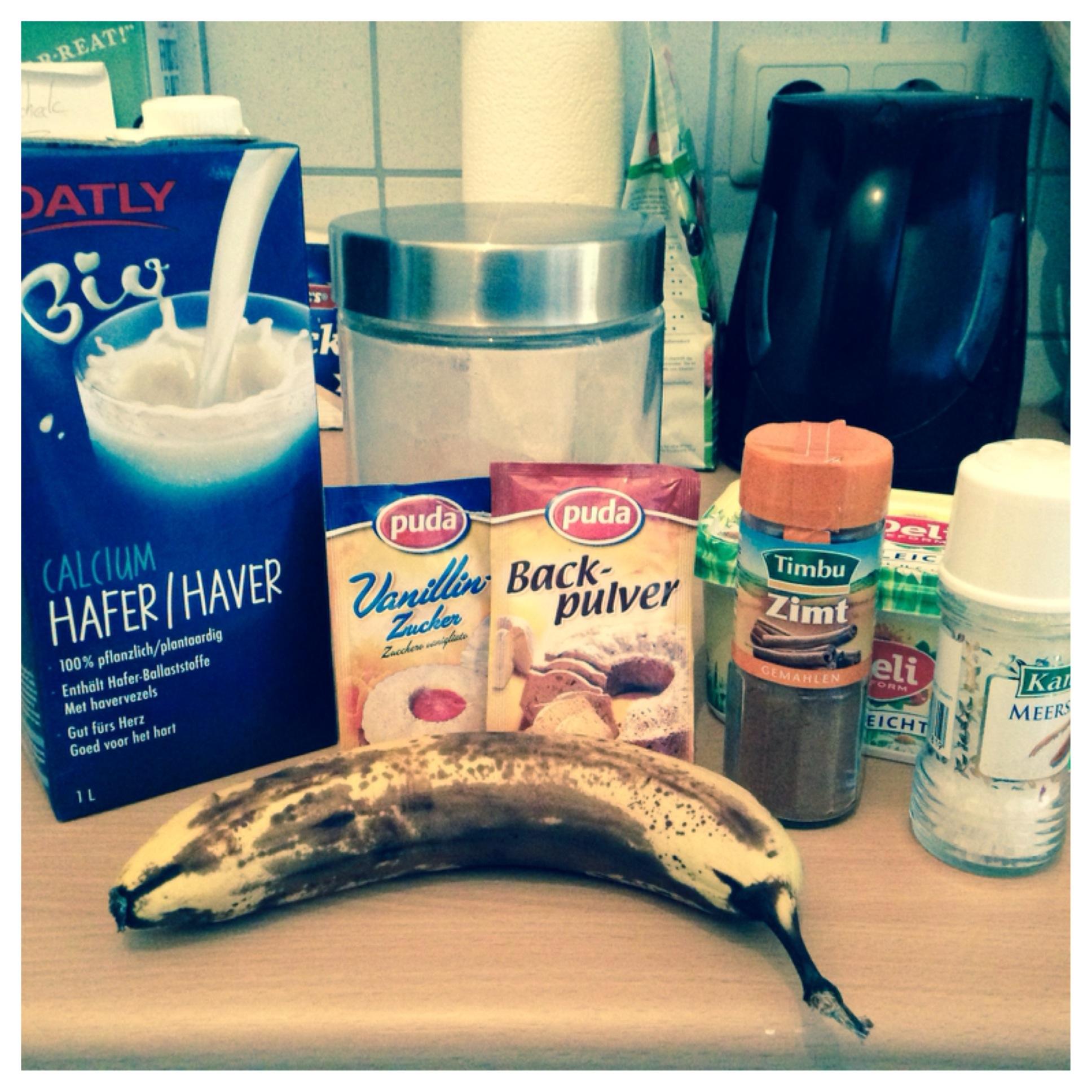 Hafermilch, Vanillezucker, Backpulver, Zimt, Salz, Banane, Zutaten, Mehl, Eierkuchen, Pfannkuchen, vegan