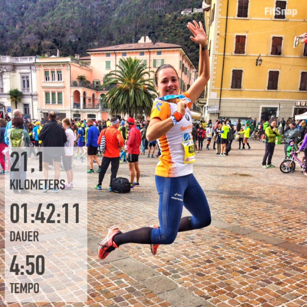 Halbmarathon am Gardasee, Laufen für Anfänger, Medaille, Luftsprung, Finisher