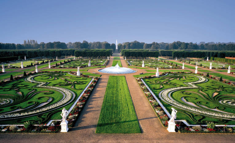 Royal-Gardens_image_full