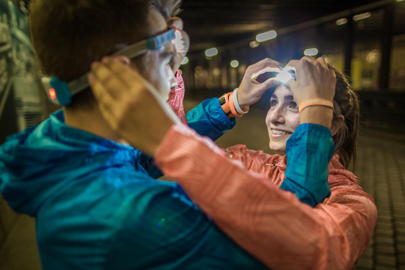 Laufen bei Dunkelheit ist kein Problem mehr mit der Stirnlampe von Led Lenser