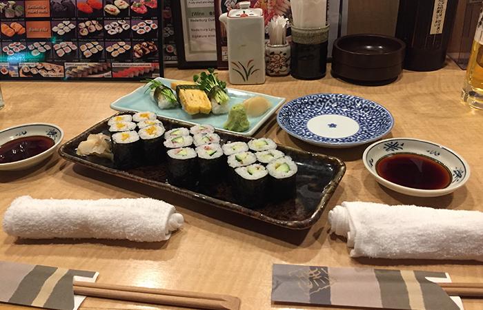 Ein Besuch in einem Sushi-Restaurant ist ein Muss