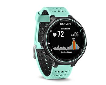 GPS-Uhr von Garmin, die Garmin Forerunner 235 für Laufen und Joggen