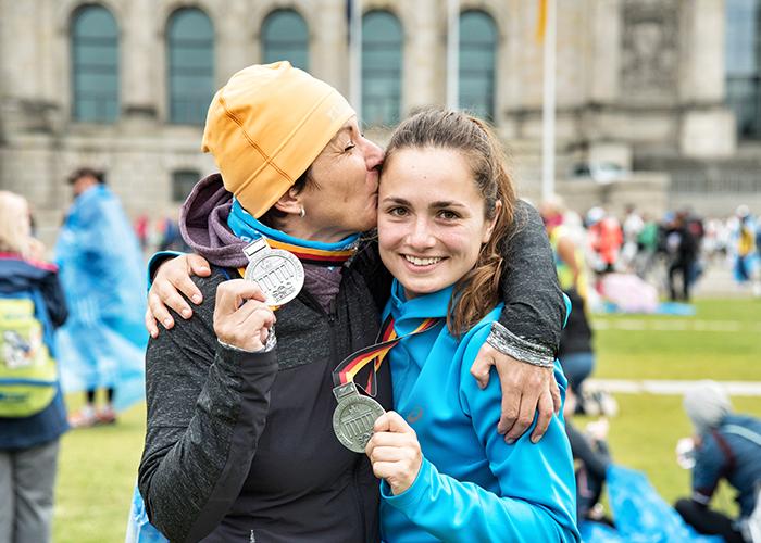 Berlin Marathon. Im Ziel mit Medaille