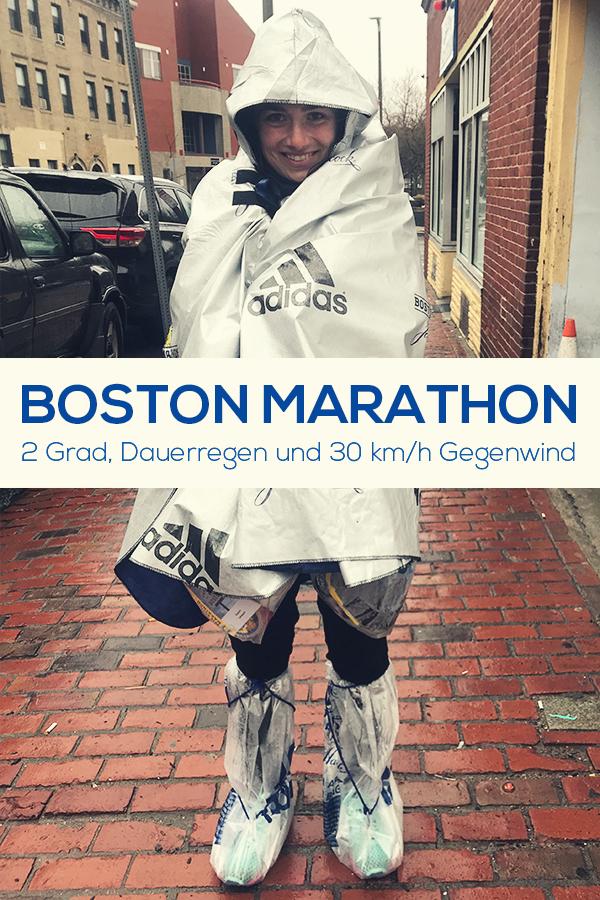 Eingepackt in Plastiktüten beim Boston Marathon, Regenmarathon, schlechtes Wetter in Boston 2018