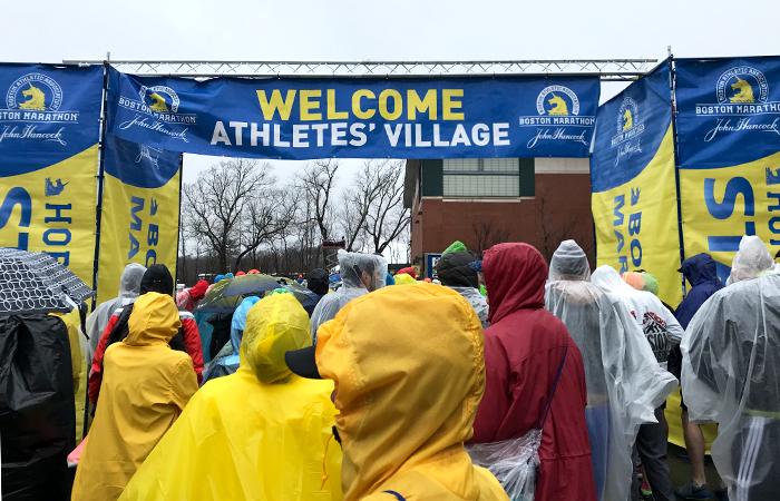 Athlete's Village beim Boston Marathon, Boston Marathon 2018, Marathon laufen
