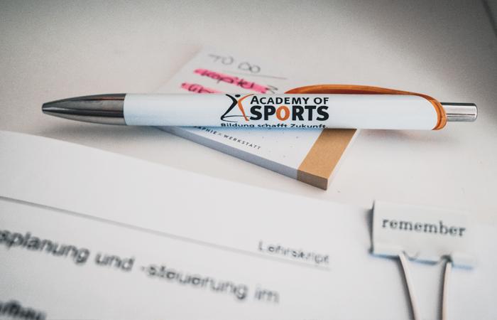Kugelschreiber der Academy of Sports, Fachtrainer für Ausdauersport, Weiterbildung Sport, Ausbildung Laufen