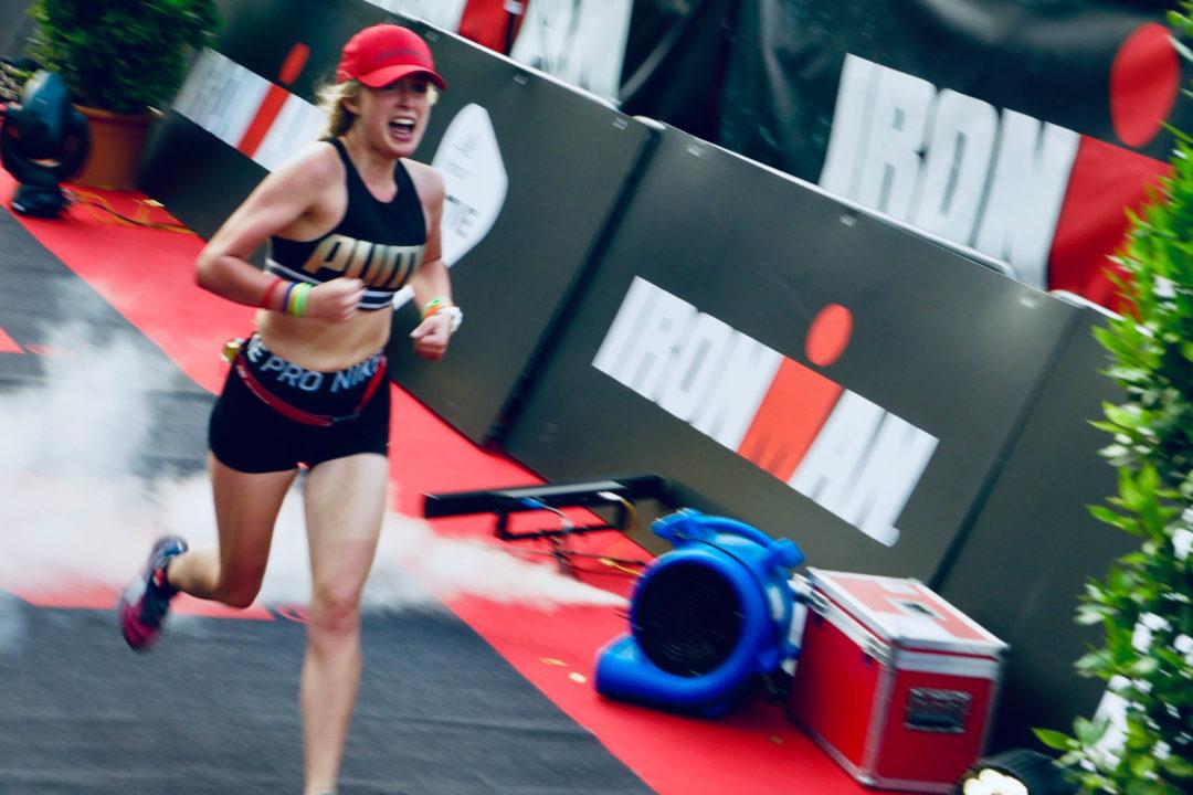 Zieleinlauf von Katharina Blach beim Ironman in Hamburg 2019